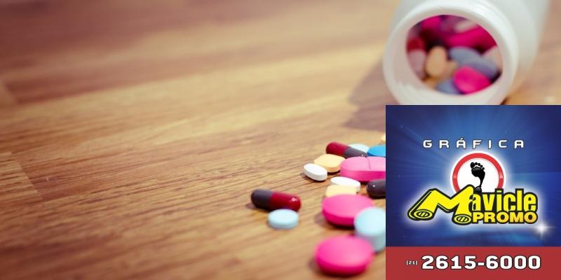 Sanofi apresenta nova campanha institucional   Guia da Farmácia   Imã de geladeira e Gráfica Mavicle Promo